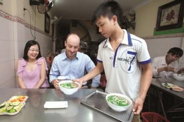 Vì sao người Việt nghiện ăn phở?