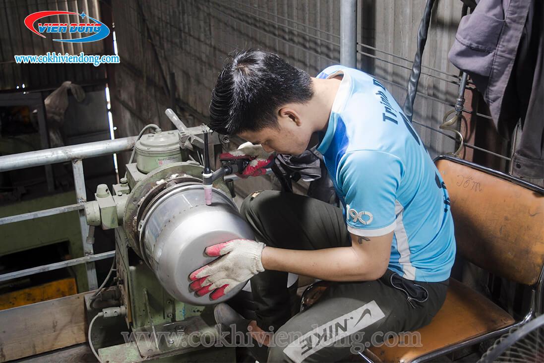 Kỹ sư Viễn Đông trực tiếp sản xuất máy