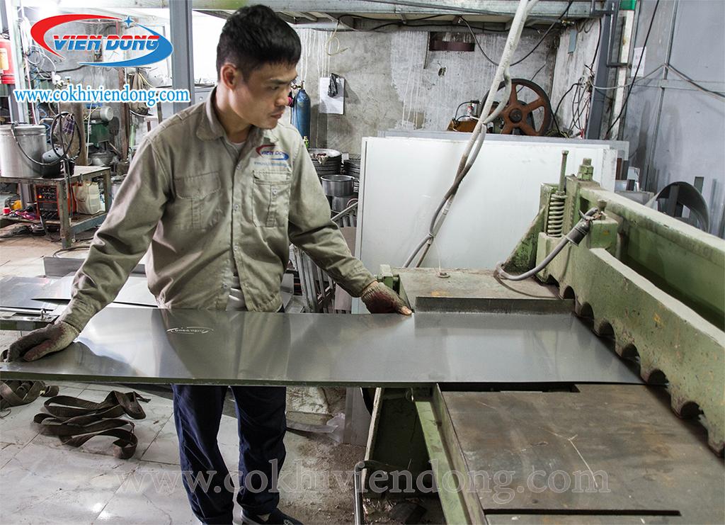 Viễn Đông tự sản xuất máy rửa khay công nghiệp