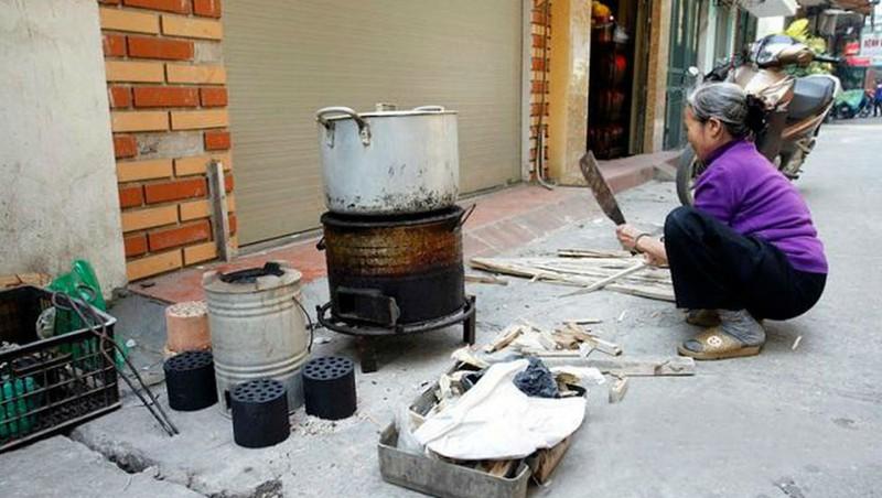 nấu nước lèo bằng cách truyền thống