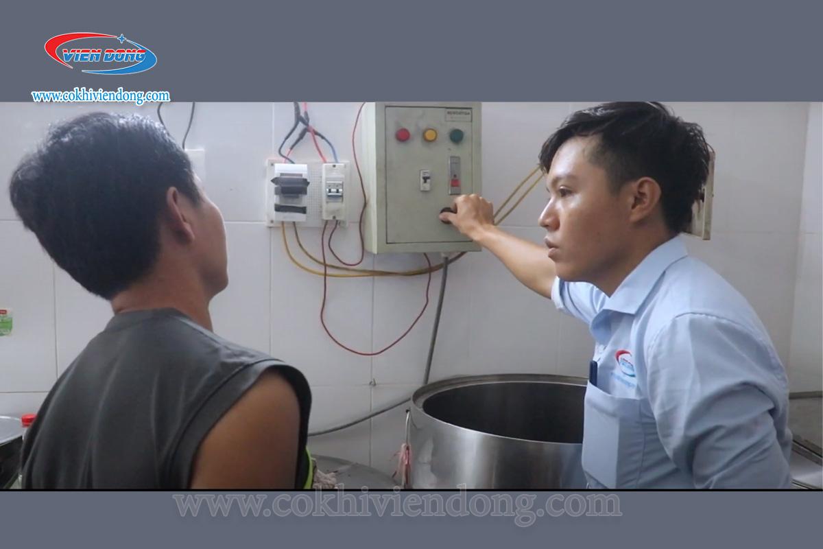Điện áp sử dụng cho chiết áp nồi phở là dòng điện bao nhiêu?